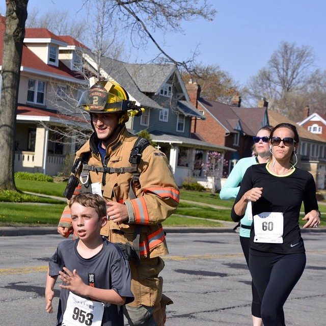 Cleveland Hts firefighter runs in Lakewood Hospital Ambulance Chase 5khellip